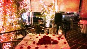Mesa para cena romántica