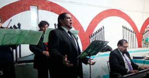 ELG Tenor cantando