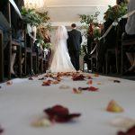 Música para bodas - Novios entrando en la iglesia en la boda